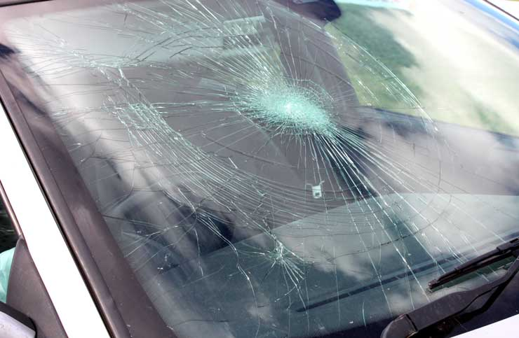 What To Do If Your Windscreen Has Been Cracked Or Smashed