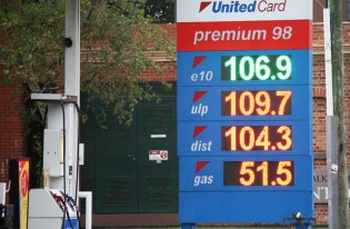 Falling-Fuel-Prices-The-Big-Lap-740