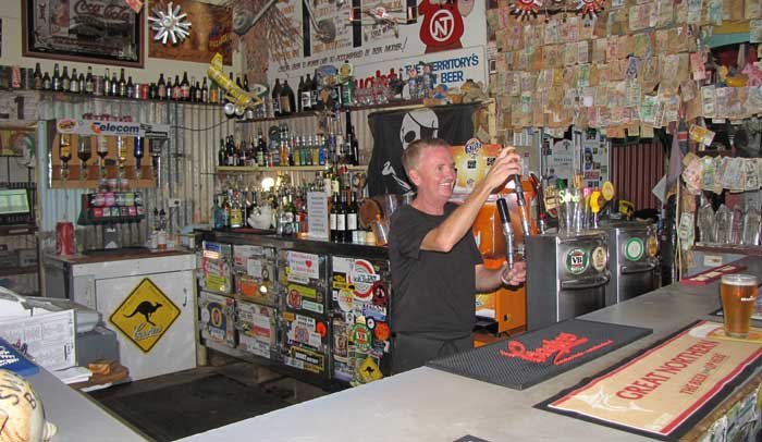 Daly-Waters-Historic-Pub-700-02