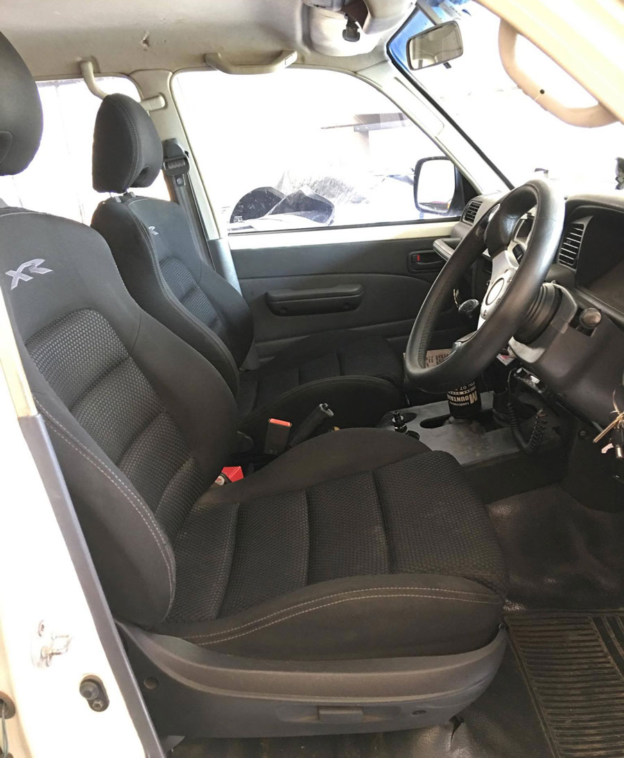 xr8-seats-in-landcruiser