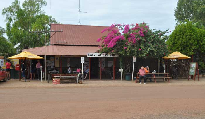 Daly-Waters-Historic-Pub-700-01