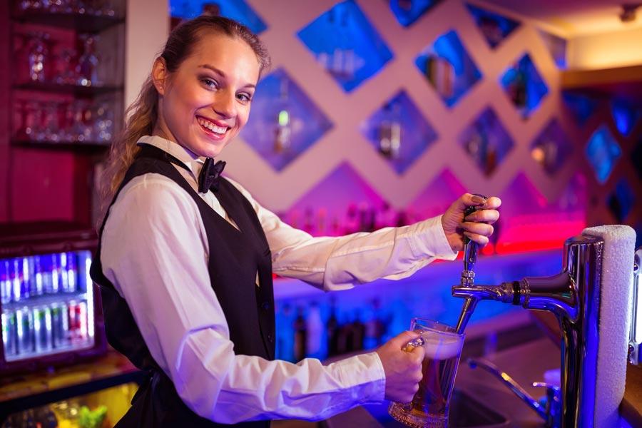 earn money travelling around Australia bar work