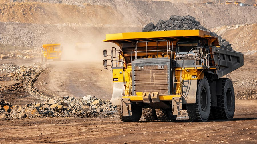 earn money travelling around Australia mining industry