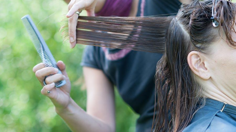 earn money travelling around Australia hairdresser